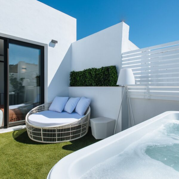 sevilla-alameda_1851_–_penthouse_private_jacuzzi_and_terrace_6F2998DC-45B6-0EFA-ECED-A331D375A919-0
