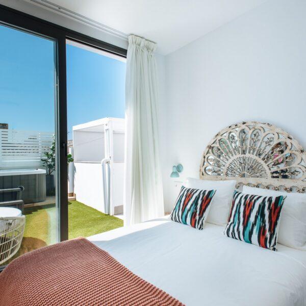 sevilla-alameda_1851_–_penthouse_private_jacuzzi_and_terrace_DE98F621-8154-88AE-840E-8E4D4B15D51D-2